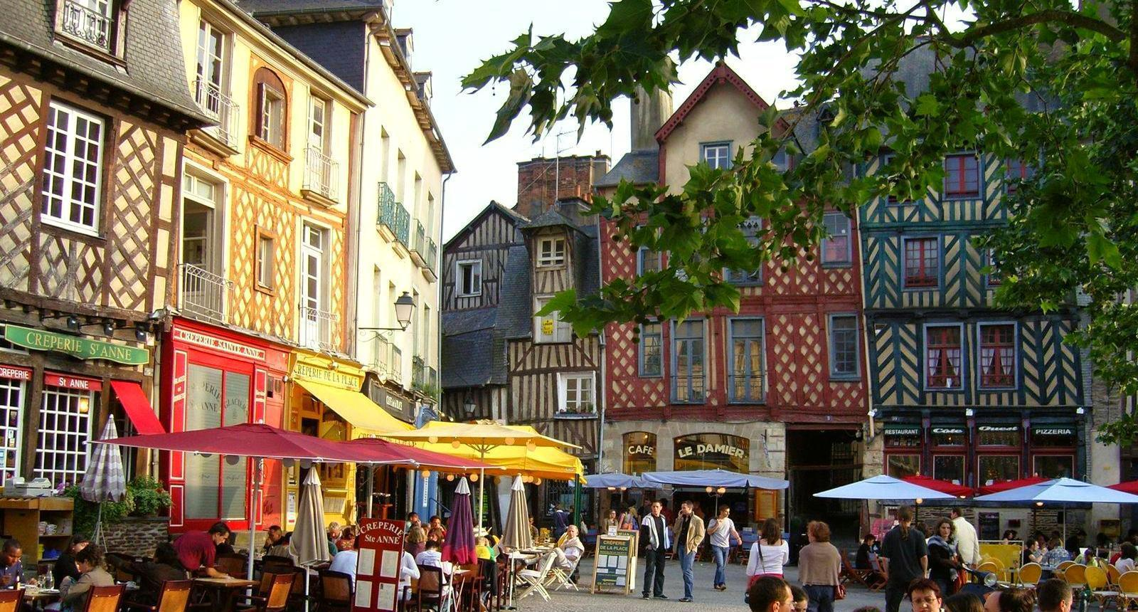 luxury and customized tours in brittany and normandy luxury italy tour luxury france tour. Black Bedroom Furniture Sets. Home Design Ideas
