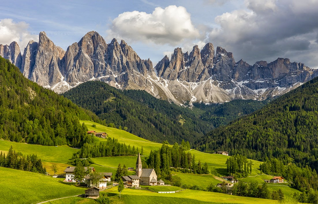 Trentino alto adige tour the best vacation in dolomiti area for Arredamento trentino alto adige